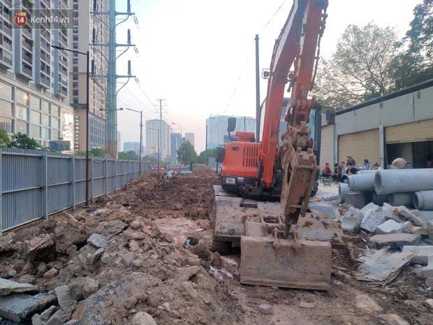 Sự thật đoạn clip đang đào đường ở Hà Nội thì phát hiện một người dưới lòng đất-2