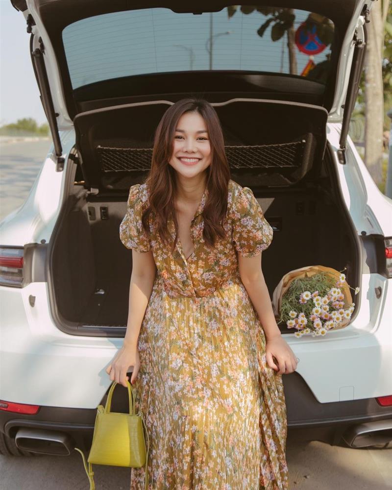Thanh Hằng có loạt outfit mùa Hè xinh ngây ngất, nàng 30+ học theo thì đảm bảo luôn đẹp-2