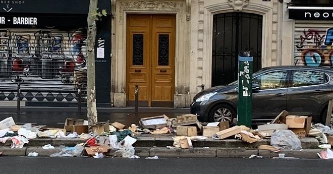 Những hình ảnh gây sốc cho thấy thành phố Paris hoa lệ ngập trong rác khiến cộng đồng mạng thất vọng tràn trề, chuyện gì đang xảy ra?-6