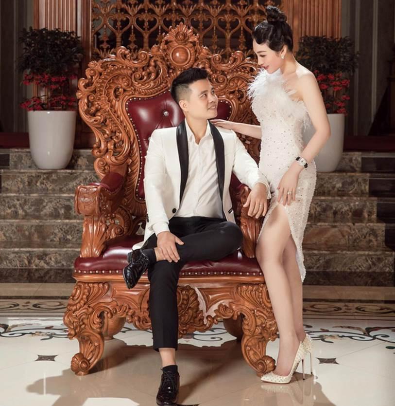 Cô dâu 200 cây vàng ở Nam Định khoe được chồng tặng chiếc đồng hồ thương hiệu nhà giàu có giá trị bằng cả căn chung cư-2