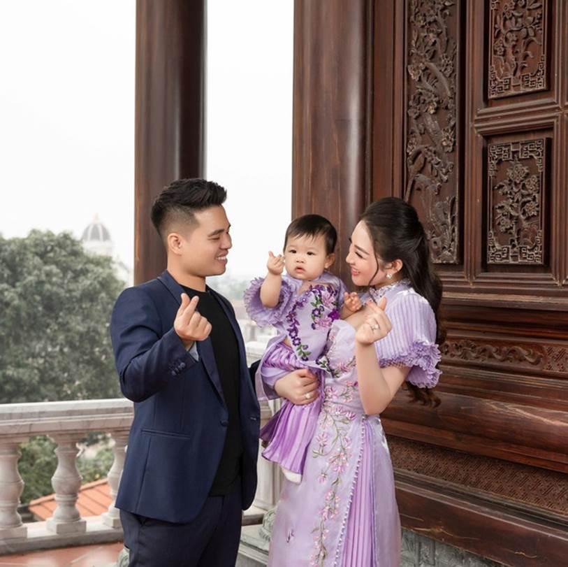 Cô dâu 200 cây vàng ở Nam Định khoe được chồng tặng chiếc đồng hồ thương hiệu nhà giàu có giá trị bằng cả căn chung cư-3
