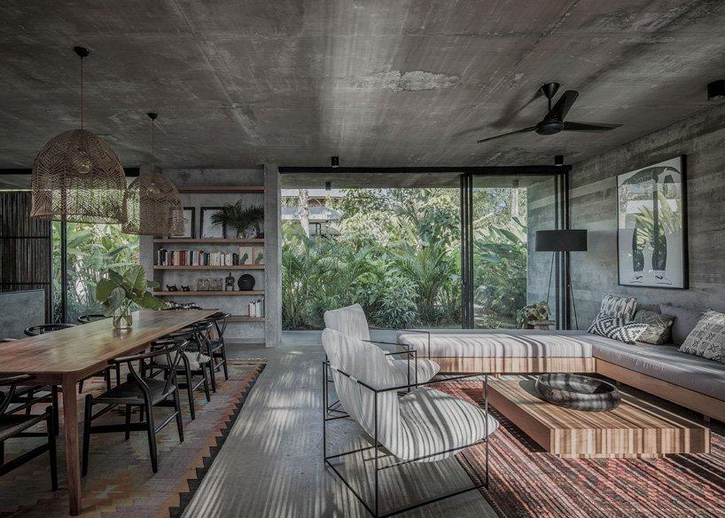 Ngôi nhà rộng 800m2 làm bằng bê tông thô cứng nhưng không gian xung quanh lại yên bình, tươi mát như lạc giữa chốn thần tiên-6