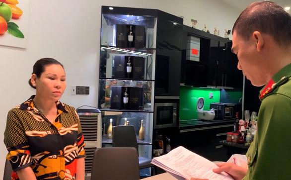 Bắt nữ đại gia Vũng Tàu - vợ diễn viên nổi tiếng cho ông chủ biệt thự dát vàng Thiện Soi vay tiền-2