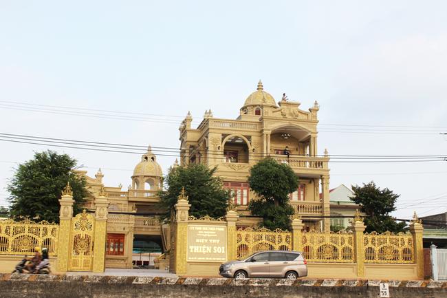 Bắt nữ đại gia Vũng Tàu - vợ diễn viên nổi tiếng cho ông chủ biệt thự dát vàng Thiện Soi vay tiền-3