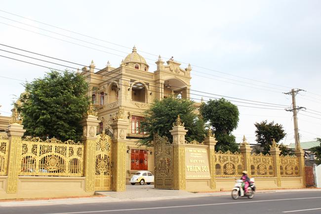 Bắt nữ đại gia Vũng Tàu - vợ diễn viên nổi tiếng cho ông chủ biệt thự dát vàng Thiện Soi vay tiền-6