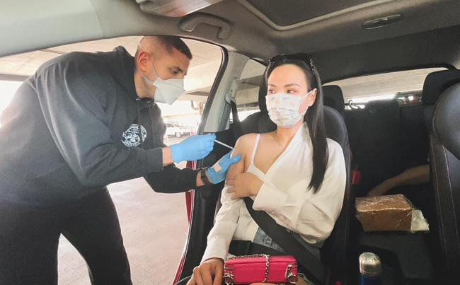 Vợ Baggio - Hot mom Quỳnh Trâm tiết lộ hành trình đưa gia đình đi tiêm vắc xin chống Covid tại Mỹ, đã từng bị tác dụng phụ đến uống thuốc giảm đau-1