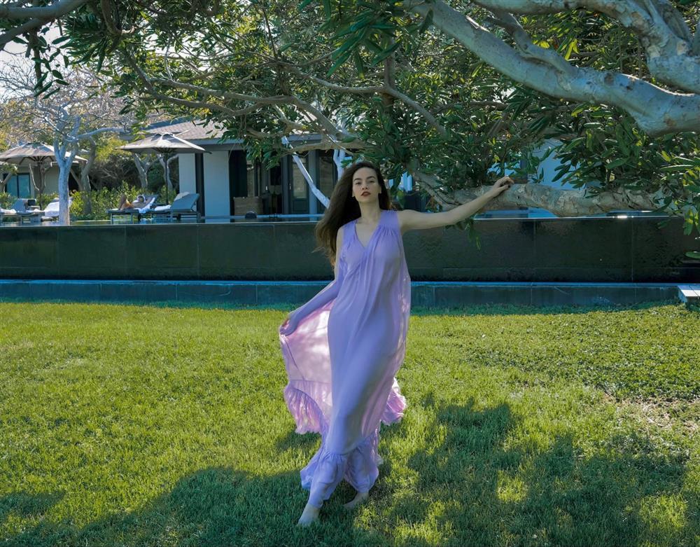 Hà Hồ có cả loạt ảnh sống ảo đỉnh cao nhờ kiểu váy này, chị em muốn học theo cũng cực dễ-3