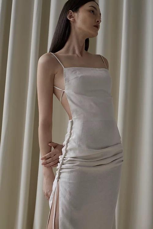 Hà Tăng diện đồ sexy quá nhưng sao cứ giống váy áo của Gigi Hadid thế nhỉ?-2