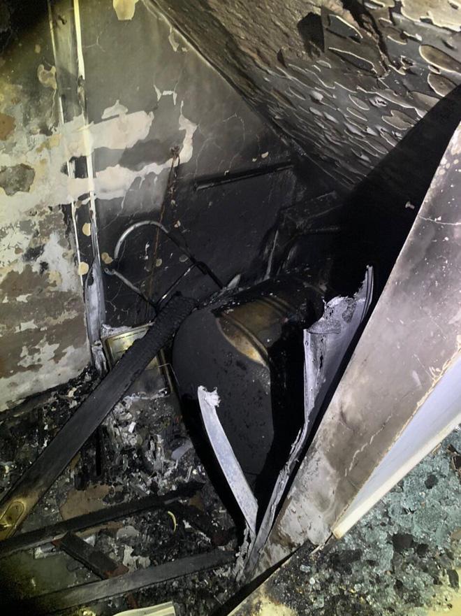 TP.HCM: Cháy nhà 3 tầng vào rạng sáng, 5 người mắc kẹt kêu cứu-3