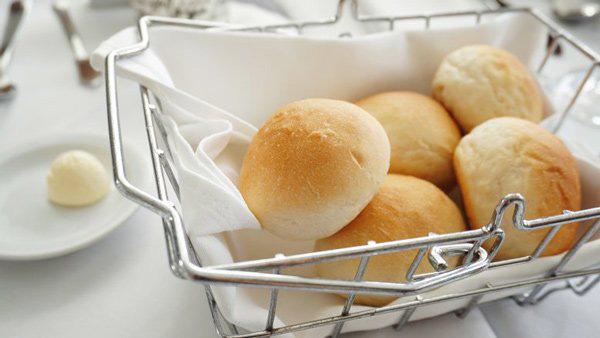 Vì sao nhiều nhà hàng thường tặng bánh mì miễn phí cho khách, biết đáp án sẽ khiến bạn ngã ngửa-3
