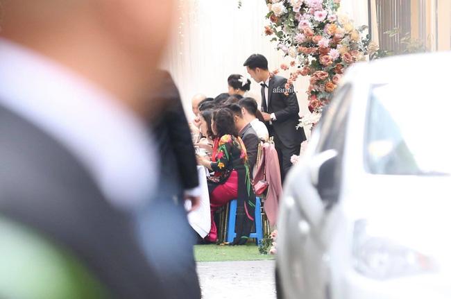 Lễ ăn hỏi Xuân Trường - Nhuệ Giang: Cô dâu chú rể lộ diện, trai tài gái sắc xứng đôi-2
