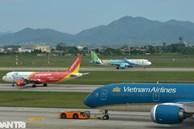 'Cháy' vé máy bay dịp 30/4 - 1/5, khách 'đổ xô' tới các điểm du lịch