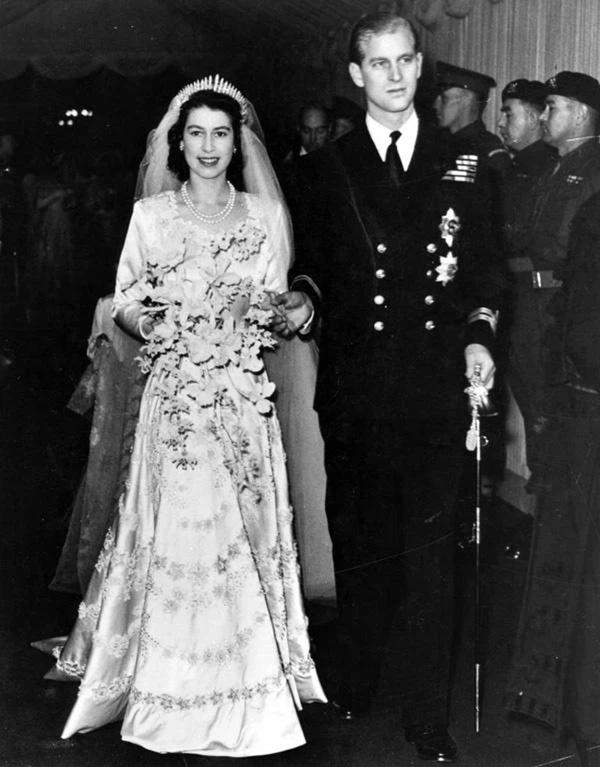Chuyện tình xuyên suốt 74 năm của Nữ hoàng Anh cùng Hoàng tế Philip: Tình yêu say đắm năm 13 tuổi ngay từ cái nhìn đầu tiên và sự đặc cách có 1-0-2 trong lịch sử!-4