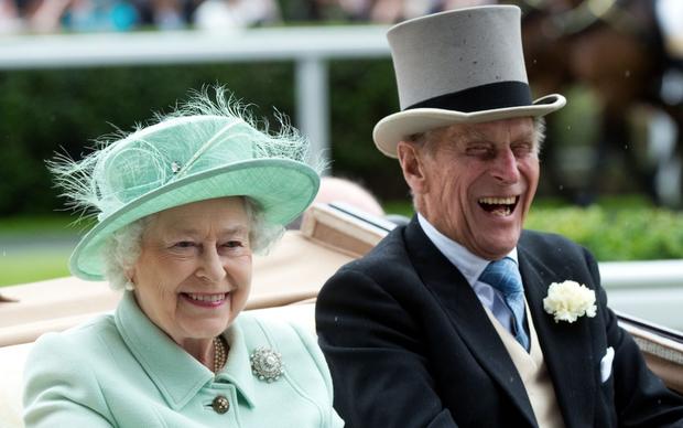 Chuyện tình 7 thập kỷ của Hoàng thân Philip và Nữ hoàng Anh qua lời người trong cuộc: Trân trọng từ những điều nhỏ nhất, ở bên nhau đến đầu bạc răng long-4