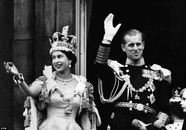 Nhìn lại những dấu ấn không thể nào quên của Hoàng tế Philip trong suốt cuộc đời-11