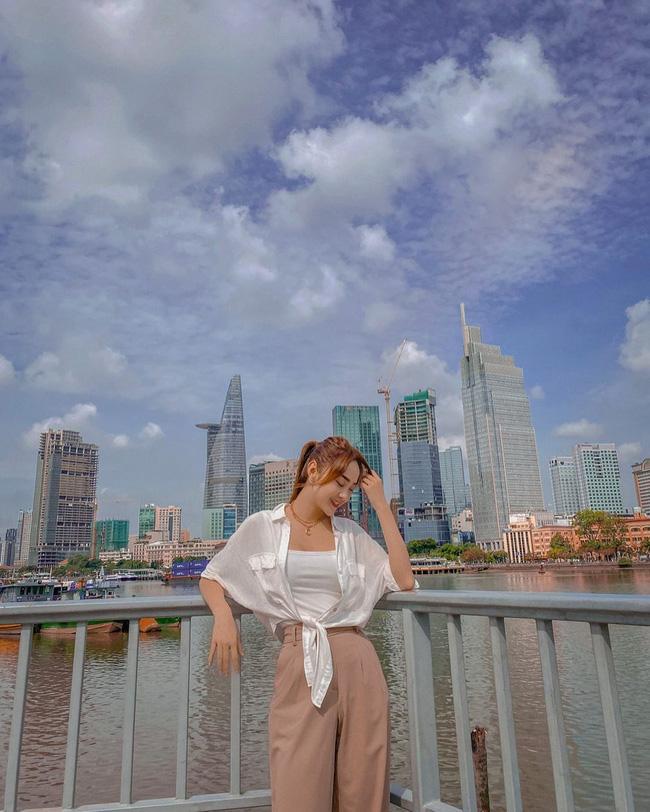 Minh Hằng đã sửa cách diện áo sơ mi trắng thế nào để có được bộ đồ xịn đẹp level max?-4