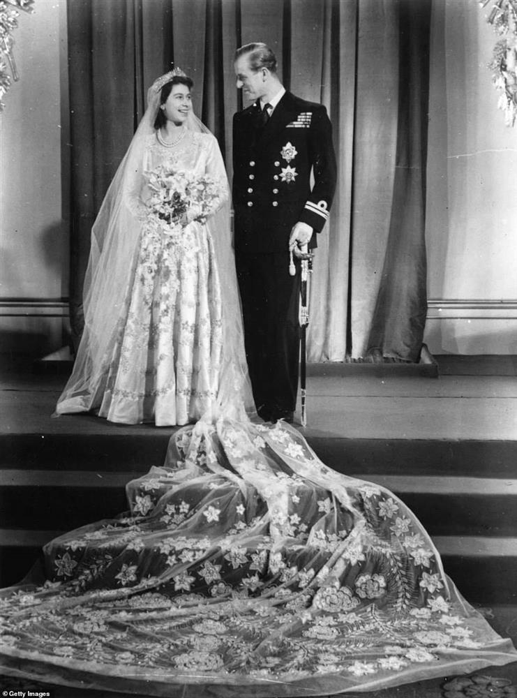Tình hình hiện tại của Nữ hoàng Anh sau khi chồng qua đời, bà sẽ sống tiếp ra sao khi mất đi chỗ dựa tinh thần lớn nhất?-2
