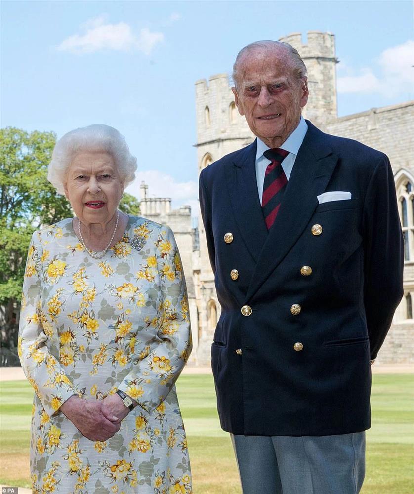 Tình hình hiện tại của Nữ hoàng Anh sau khi chồng qua đời, bà sẽ sống tiếp ra sao khi mất đi chỗ dựa tinh thần lớn nhất?-3