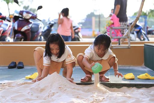 Đừng cuống cuồng bắt con học chữ, cô giáo Hà Nội cho biết đây mới là những điều trẻ cần học trước khi bước vào lớp 1-4
