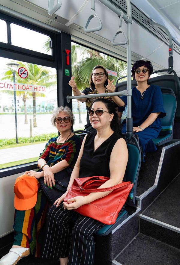 Trải nghiệm 'cực chất' với xe buýt điện đầu tiên ở Việt Nam-2