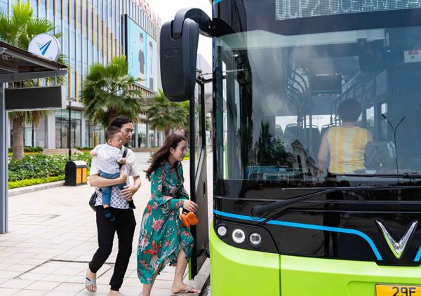 Trải nghiệm 'cực chất' với xe buýt điện đầu tiên ở Việt Nam-6