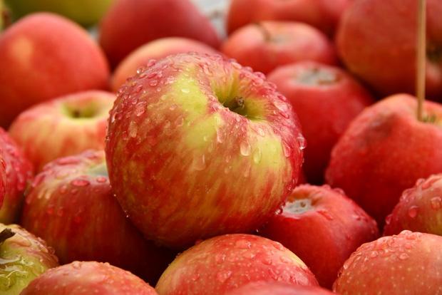 10 loại thực phẩm tồn dư ᴛʜυṓс bảo vệ thực vật nhiều nhất, rau mồng tơi xếp thứ 2, loại quả đứng vị trí thứ nhất không bất ngờ-1