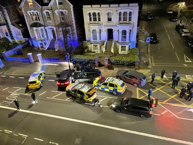 Tỷ phú giàu top đầu Anh quốc bị đâm chết dã man ngay trong nhà, danh tính nghi phạm bước đầu khiến dư luận sửng sốt-2