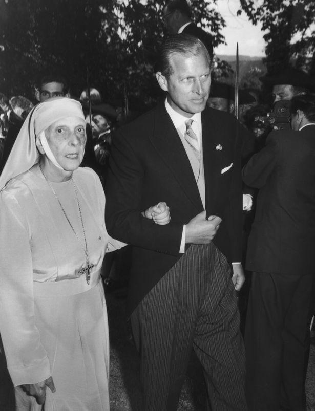 Tuổi thơ cơ cực của Hoàng tế Philip: Mẹ nằm viện tâm thần, chị gái bị tai nạn máy bay tử vong, từ hoàng tử lưu vong trở thành phu quân Nữ hoàng Anh-3