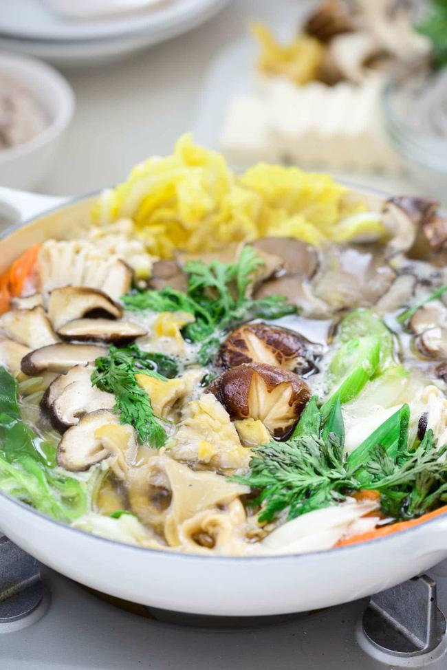 Tạm quên cách nấu lẩu nấm quen thuộc đi, gợi ý cho bạn cách nấu lẩu nấm của người Hàn cũng rất đáng học hỏi!-5