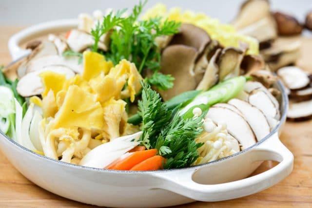 Tạm quên cách nấu lẩu nấm quen thuộc đi, gợi ý cho bạn cách nấu lẩu nấm của người Hàn cũng rất đáng học hỏi!-4