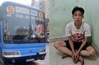 Tài xế xe buýt kể lúc bị nam thanh niên kề dao vào cổ