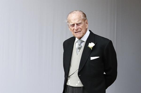 Một ngày sau khi Hoàng tế Philip qua đời, Nữ hoàng Anh có động thái đầu tiên khiến nhiều người rơi nước mắt-2