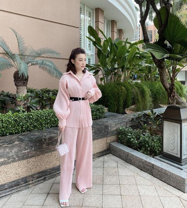 Rich kid Trinh Hoàng mua cả lố túi Chanel như gom hàng trăm rưỡi, trăm bảy trên mạng-2
