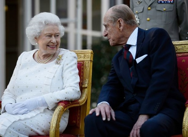 Tiết lộ nơi cất giữ thi hài Hoàng tế Philip cho tới khi Nữ hoàng qua đời, nguyên nhân sâu xa khiến công chúng tuôn trào nước mắt-3