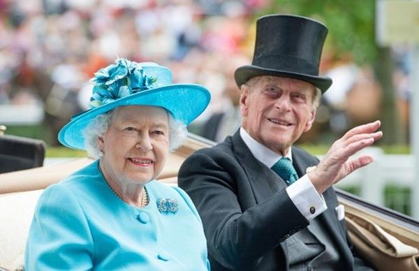 Tiết lộ nơi cất giữ thi hài Hoàng tế Philip cho tới khi Nữ hoàng qua đời, nguyên nhân sâu xa khiến công chúng tuôn trào nước mắt-4