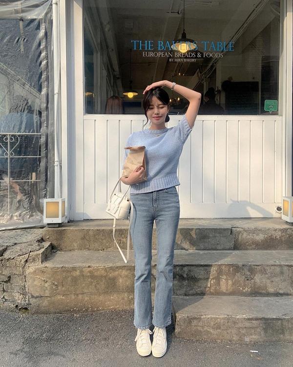 """Học nàng blogger Hàn cách diện jeans đỉnh của chóp"""": Vừa hack dáng vừa thanh lịch để đến sở làm-1"""
