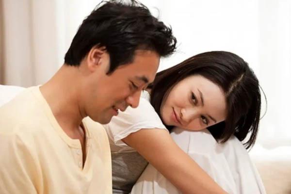 Biết chồng sống chung với bồ, cô vợ dùng 1 mâm cơm với 7 món để ép anh ta vào thế bí, điều xảy ra trong bữa ăn mới thâm thúy và sâu sắc-1