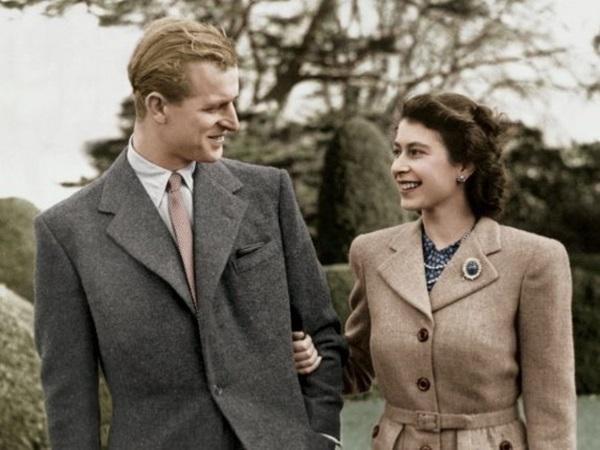 Bức ảnh Một lần gặp gỡ, trọn đời bên nhau của Nữ hoàng Anh và Hoàng tế Philip được lan truyền trên mạng, chỉ một ánh mắt đã nói lên tất cả-3