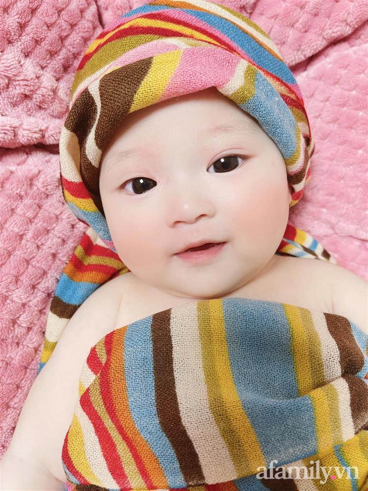 Tiết lộ danh tính bé gái Việt xuất hiện trong bộ phim đình đám Hàn Quốc - Penthouse, ngoài đời gây sốt vì gương mặt xinh như búp bê-6