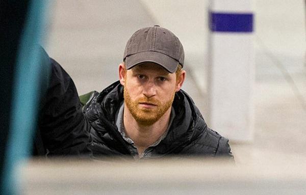 Hoàng tử Harry đã về Anh chịu tang ông nội, tiết lộ suy nghĩ của Hoàng tế Philip về cuộc phỏng vấn tai tiếng của vợ chồng cháu trai-1