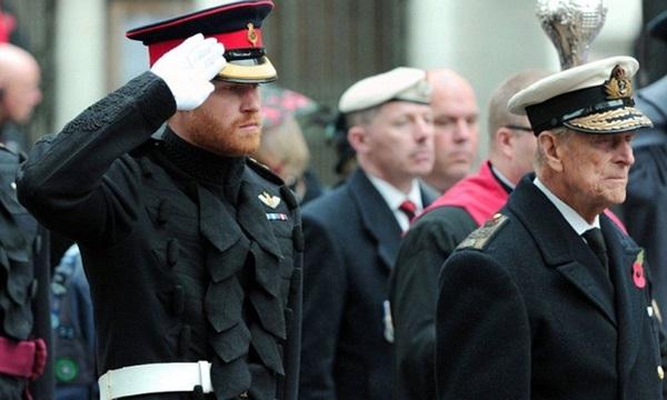 Hoàng tử Harry đã về Anh chịu tang ông nội, tiết lộ suy nghĩ của Hoàng tế Philip về cuộc phỏng vấn tai tiếng của vợ chồng cháu trai-2