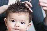 Cha mẹ làm điệu, uốn xoăn tóc cho con: Chuyên gia cảnh báo không chỉ ảnh hưởng sức khỏe mà còn gây sang chấn tâm lý