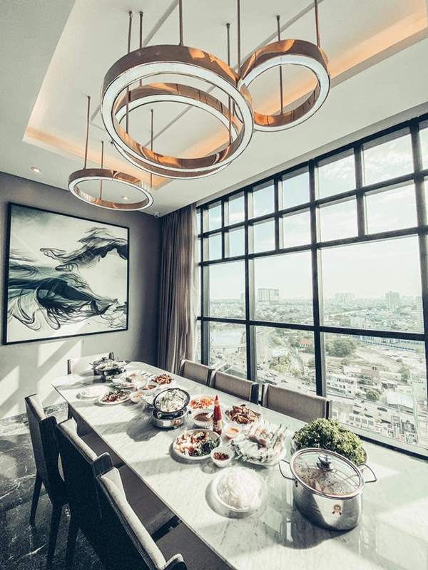 Thanh Thảo mừng tân gia nhà mới, hé lộ không gian giàu có của căn hộ view triệu đô-2