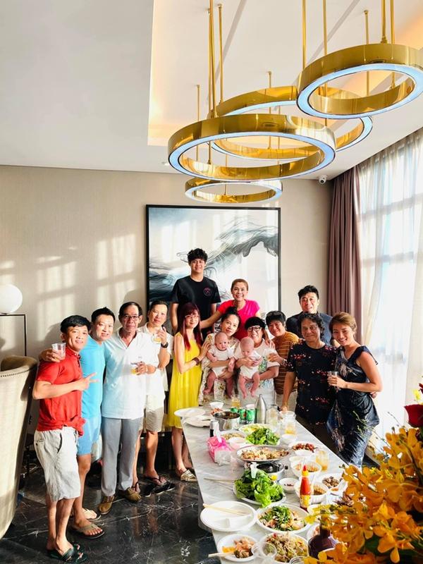 Thanh Thảo mừng tân gia nhà mới, hé lộ không gian giàu có của căn hộ view triệu đô-5