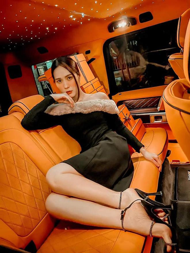 Nhan sắc gợi cảm, cuộc sống siêu giàu của ca sĩ chi 7,5 tỷ mời Quách Thái Công thiết kế nhà-9