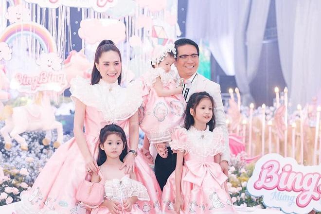 Nhan sắc gợi cảm, cuộc sống siêu giàu của ca sĩ chi 7,5 tỷ mời Quách Thái Công thiết kế nhà-12