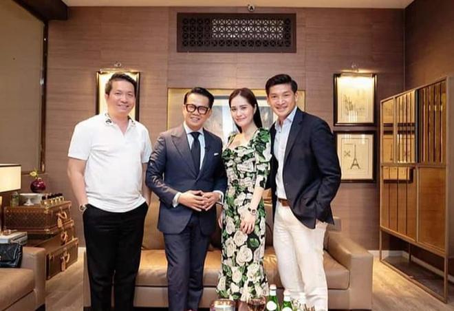 Nhan sắc gợi cảm, cuộc sống siêu giàu của ca sĩ chi 7,5 tỷ mời Quách Thái Công thiết kế nhà-11
