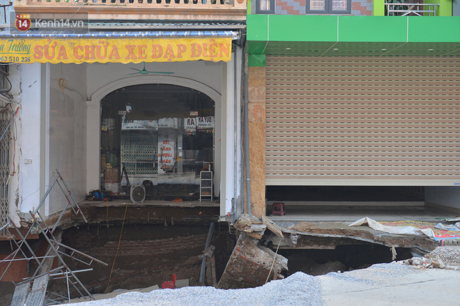 Cuộc sống đảo lộn sau 1 tuần xuất hiện hố tử thần ở Hà Nội: Công việc làm ăn bị đình trệ, con cháu phải mang đi gửi-8