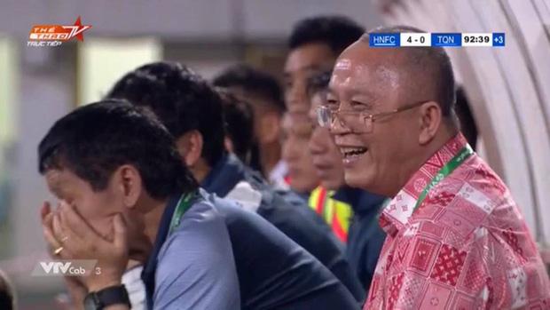 Bầu Đức troll chủ tịch Than Quảng Ninh khi thua đậm Hà Nội FC: Thua mà cười toe toét đây này-1