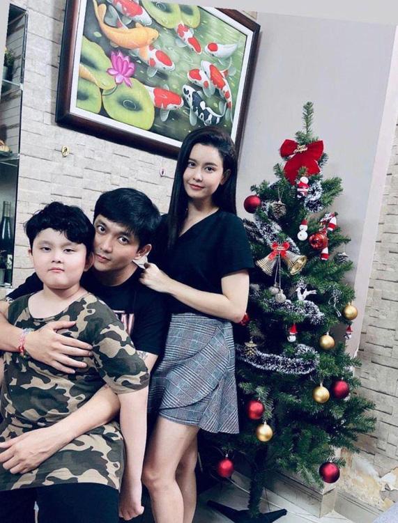 Cặp đôi khó hiểu nhất showbiz Việt: Xóa hình xăm khi ly hôn nhưng vẫn tình tứ, ở chung nhà-6
